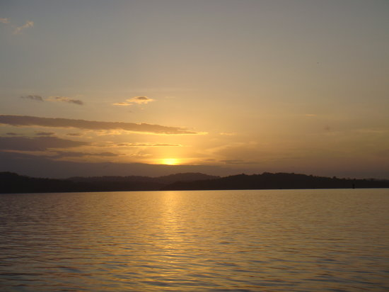 Panama Şehri, Panama: Sunrise Over Gatun Lake