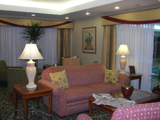 Fairfield Inn & Suites Dulles Airport Chantilly : Lovely conversation area