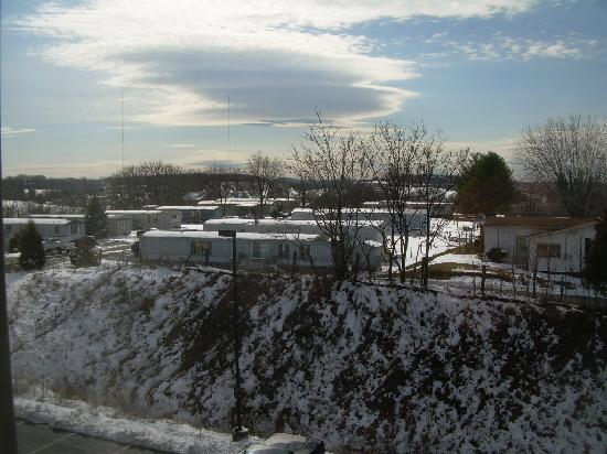 Holiday Inn Express Hotel & Suites Christiansburg : Another room view
