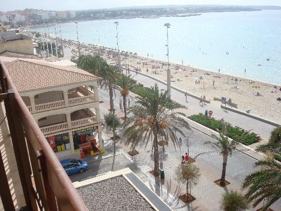 AYA Hotel: Von Balkon