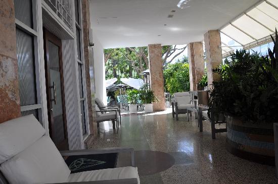 The Hotel of South Beach: Entrada
