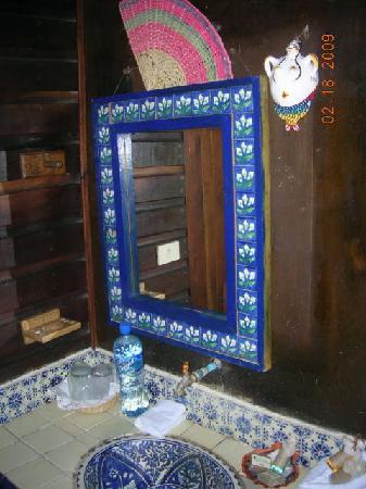 Nueva Vida de Ramiro: bathroom sink at Pasion Marina