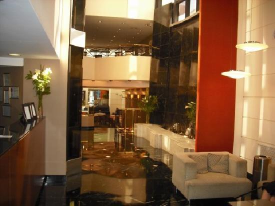 Aspen Towers Hotel: Aspen Towers lobby