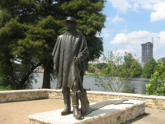 ‪Stevie Ray Vaughan Statue‬