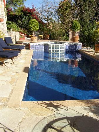 Casa Estrella de la Valenciana: sunny poolside