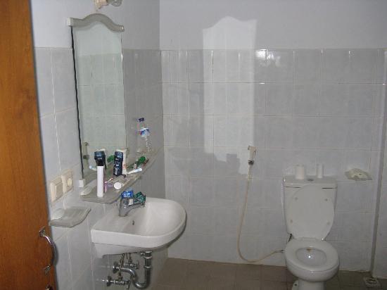 Hotel Lusa: Zimmer Bild 4 grosses Haus EG links