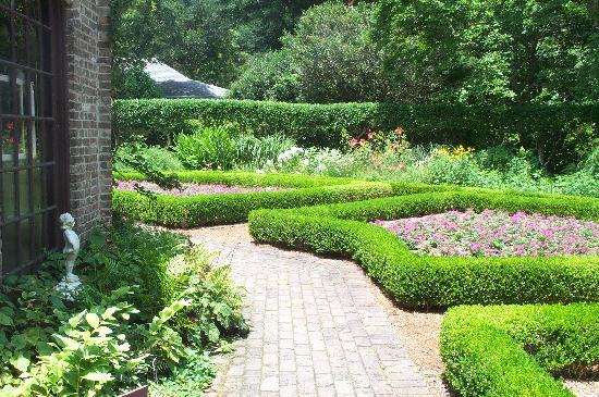 Elizabethan Gardens照片