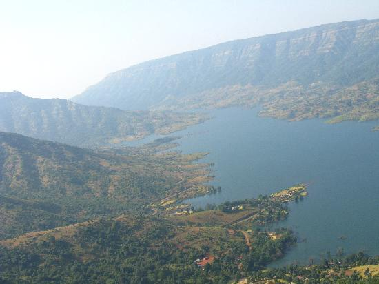 view of Panchgani from Echo point