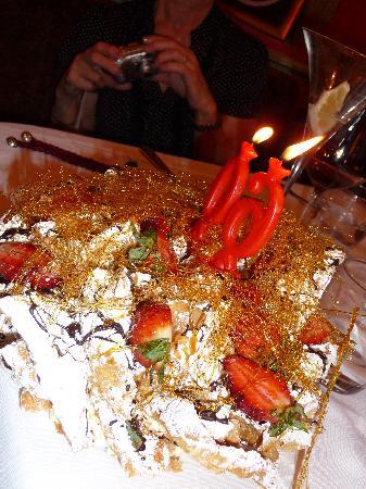 Domus Borgognona: Birthday cake in La Buvette