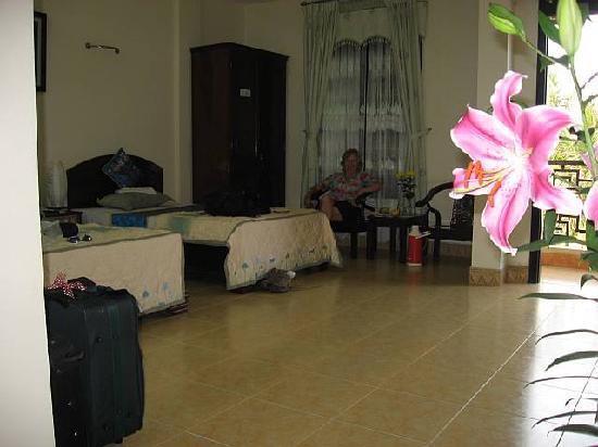 Hai Au Hotel: Large Room on 3rd Floor