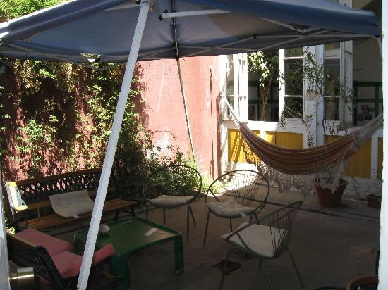 Ecohostel Chile: Terrace with hammock