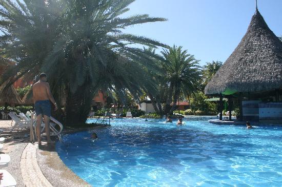 Margarita Village: piscina dell'hotel