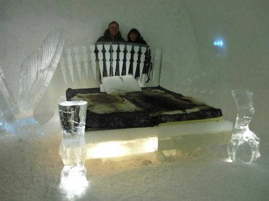 Icehotel : Our Ice Bed!