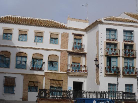 Posada San Fernando: Fachada exterior del hotel