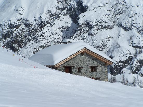 Breithorn Hotel: On the slopes.