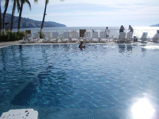 Elcano Hotel: Piscine