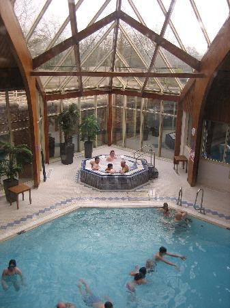 Village Hotel Swindon: Indoor swimming pool