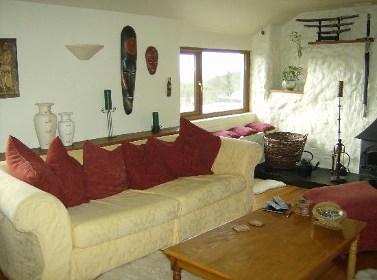 Pant-Teg B&B and Cottages: Comfy sofa's in guest's lounge