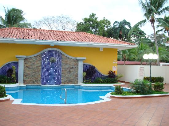 Holiday Inn Panama Canal: Small but nice pool