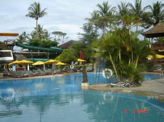 Bali Dynasty Resort Hotel: Pool