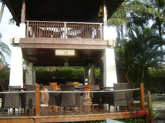 Bali Dynasty Resort: Sunset Bar