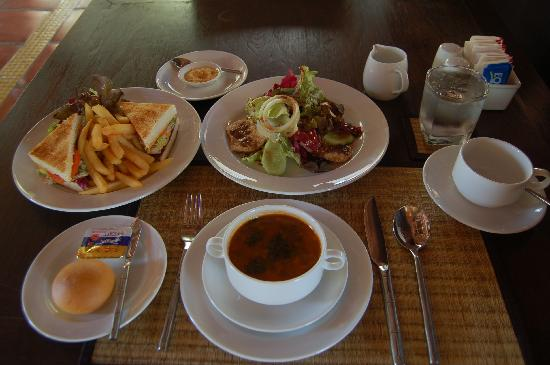 Nisa Cabana Koh Chang Resort : all of my lunch only 295 baht that the menu will be change everydays