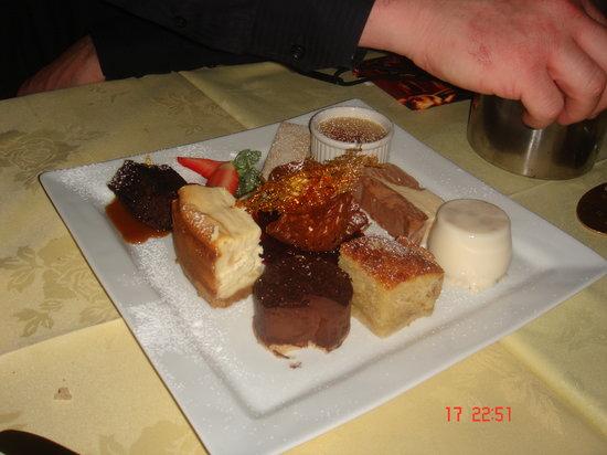 Crab & Lobster: Sharing dessert