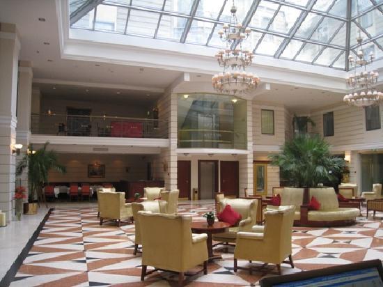 Kempinski Hotel Moika 22: hotel lobby