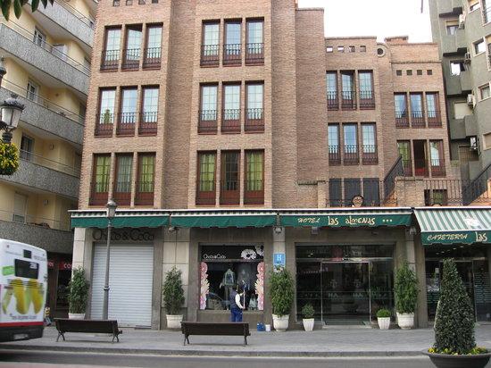 Hotel Las Almenas: Hotel exterior