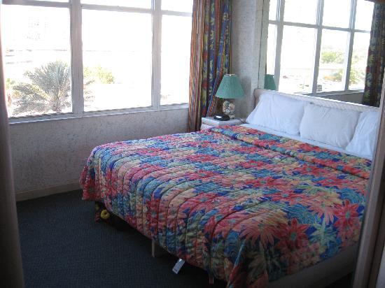 Newport Beachside Hotel And Resort Second Bedroom