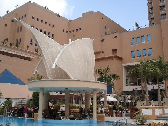 Staybridge Suites Cairo-Citystars: Piscina