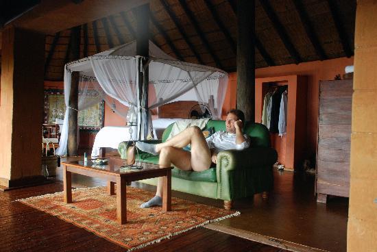 Tongabezi: bisrd house se llama nuestra hab.