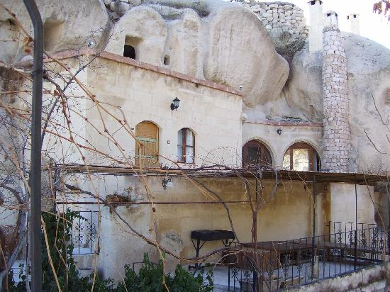 Gamirasu Cave Hotel: Front of one of the rooms