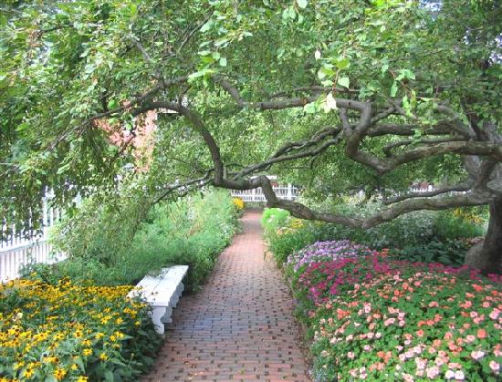 Portsmouth Harbor Trail: Prescott Park, a lovely part of the HarborWalk