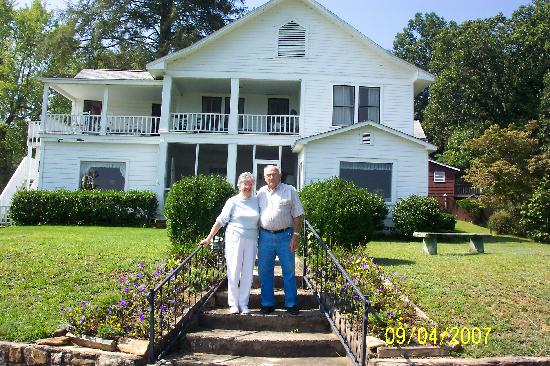 Brevard, Caroline du Nord : Tom and Mary McEntire, Innkeepers