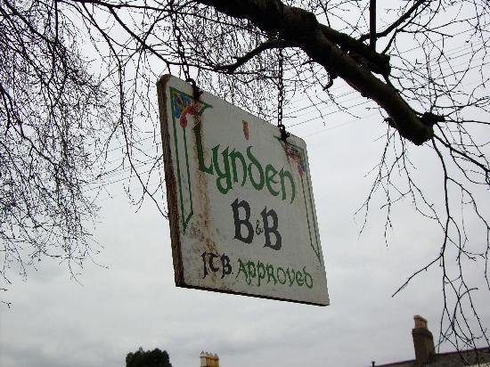 Lynden Bed & Breakfast: Lynden Sign