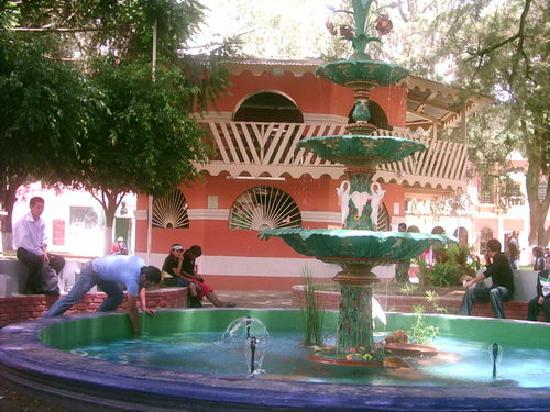La Esperanza, Honduras: PARQUE CENTRAL,  CENTRAL PARK.