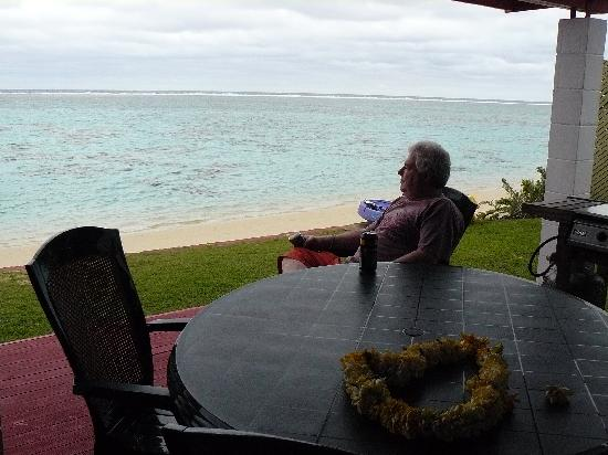 Main Islander On The Beach Holiday Properties: A friend at peace at Main Islander