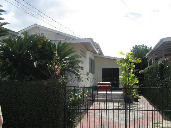 Nemoy Guest House