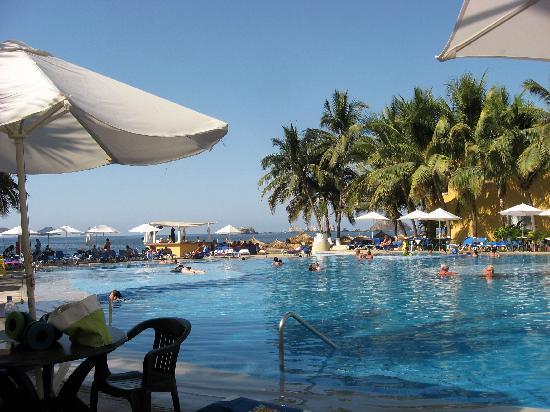Tesoro Ixtapa : Extérieur vue de la piscine