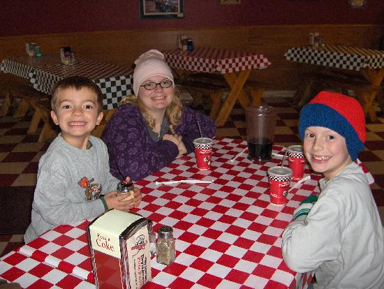 Pizza Factory : Kids love it here!