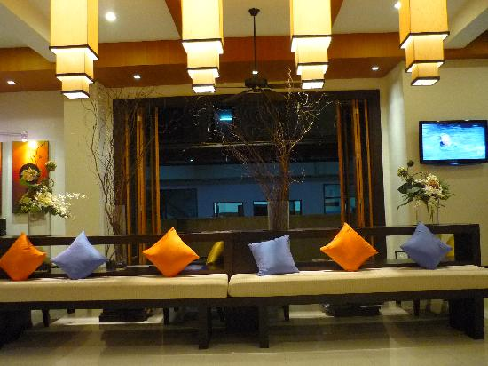 Baramee Resortel: Main lobby
