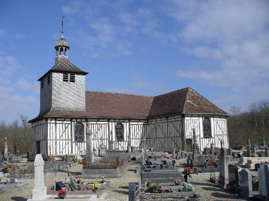 Lesmont, França: Eglise à Pans de bois