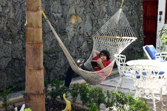 Hotel Las Mariposas: Treven reading a book during and afternoon break.