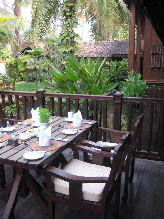 Belmond La Résidence d'Angkor: Relaxing place to enjoy breakfast
