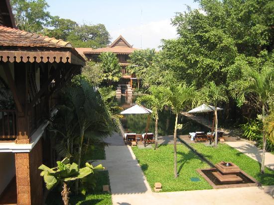 Belmond La Résidence d'Angkor: Gardens & pool
