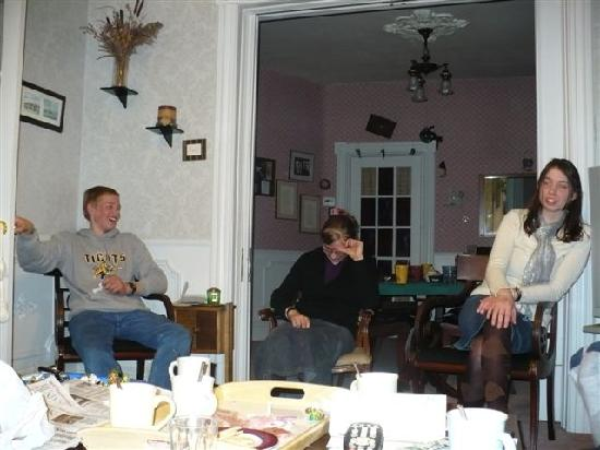 Ambiance Bed and Breakfast: Our evenings were so cozy and fun!!