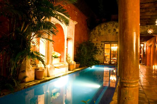 Posada del Angel: Evening at the Plunge Pool.