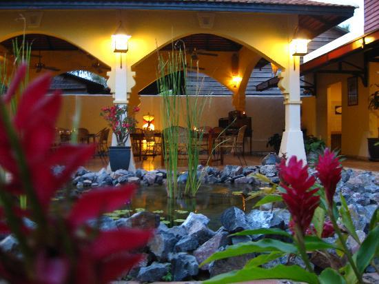 Pavillon d'Orient Boutique-Hotel: Blick auf das Restaurant/Frühstücksbereich