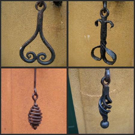 Augsburg, Tyskland: Different door bells